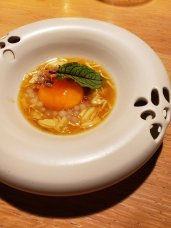 Spider crab with salt cured egg yolk soup